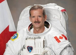 Illustration for article titled Chris Hadfield Heckled a Screening of Gravity