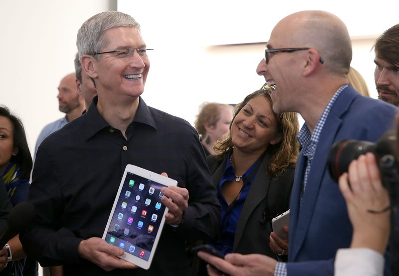 Illustration for article titled Apple CEO Tim Cook Publicly Comes Out As Gay