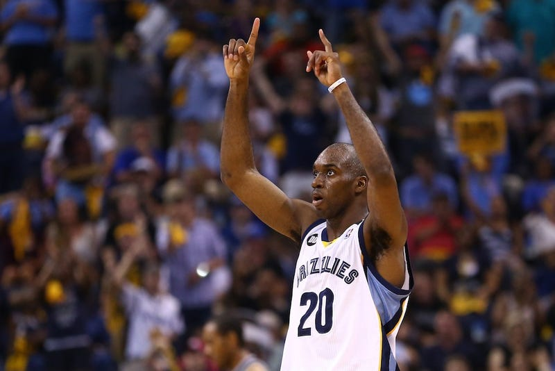 Illustration for article titled Quincy Pondexter Gets Date With Miss Tennessee Thanks To Twitter