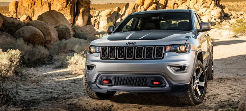 all the off road features of the 2017 jeep grand cherokee. Black Bedroom Furniture Sets. Home Design Ideas