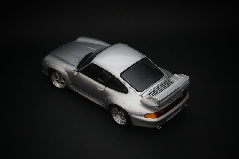 Illustration for article titled UT Models Porsche 993 GT2