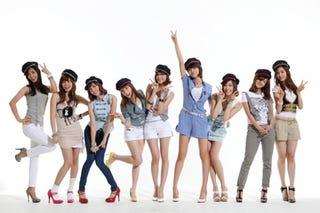 Illustration for article titled Cute Korean Ramen Ladies Rip Off Bubble Bobble? [Update]