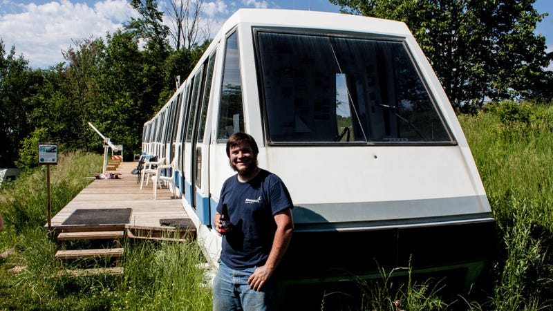 Illustration for article titled Meet the Guy Who Bought a Monorail For $1,000