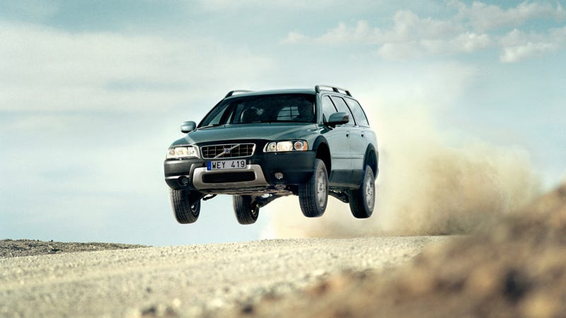Illustration for article titled Your Ridiculously Airborne Volvo Wallpaper Of The Day
