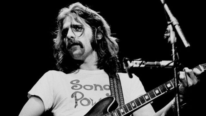 Glenn Frey performs on stage in London, 1977. (Photo by Gus Stewart/Redferns, Getty Images)