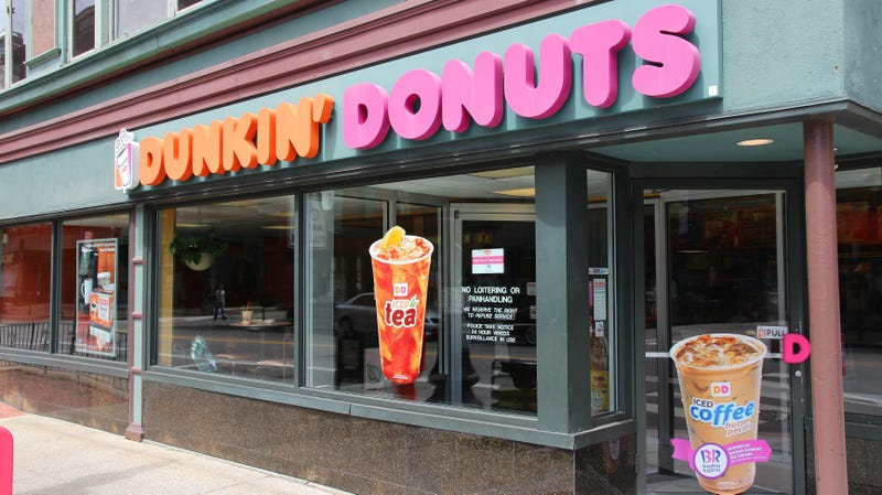 Illustration for article titled A Dunkin' Donuts offered free food to anyone who reported staff not speaking English
