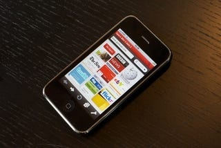 Illustration for article titled iPhone is Most Popular Phone for Opera Mini Downloads in US