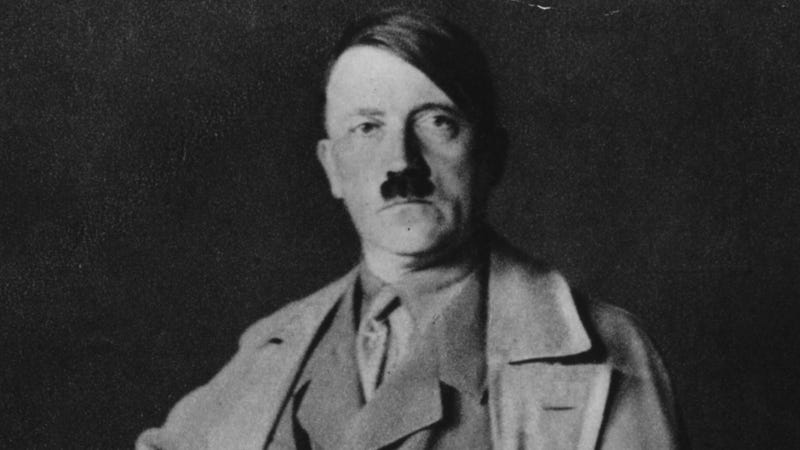 Illustration for article titled Thai University Apologizes for Commending Grads with Hitler Mural