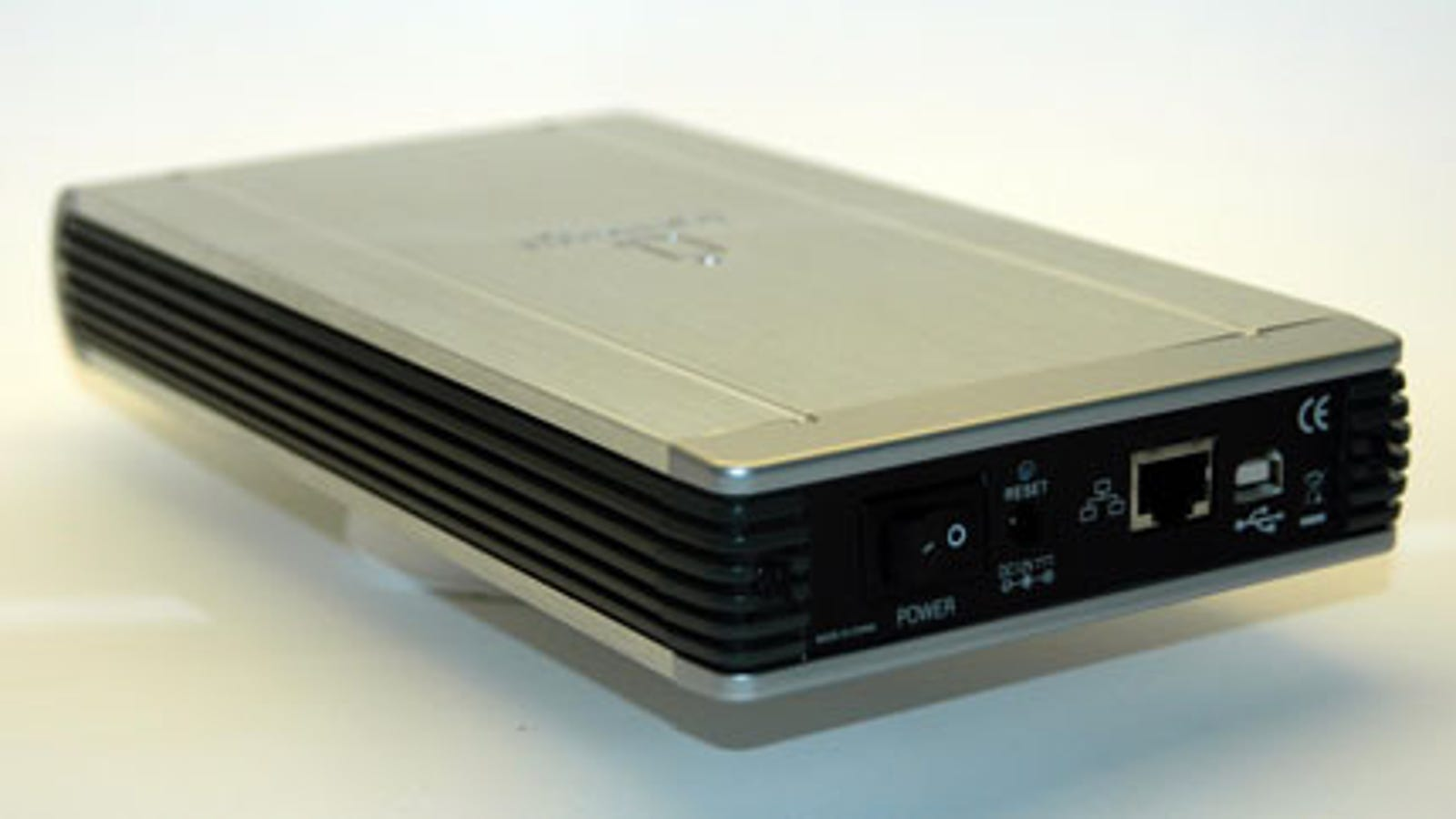 Run Your Own Cloud Server With Iomega's New Home Media Drive [Review]