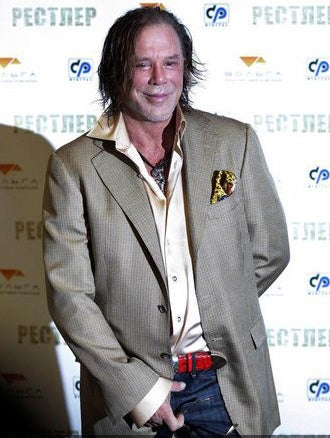 Illustration for article titled Mickey Rourke Loves Being In Russia