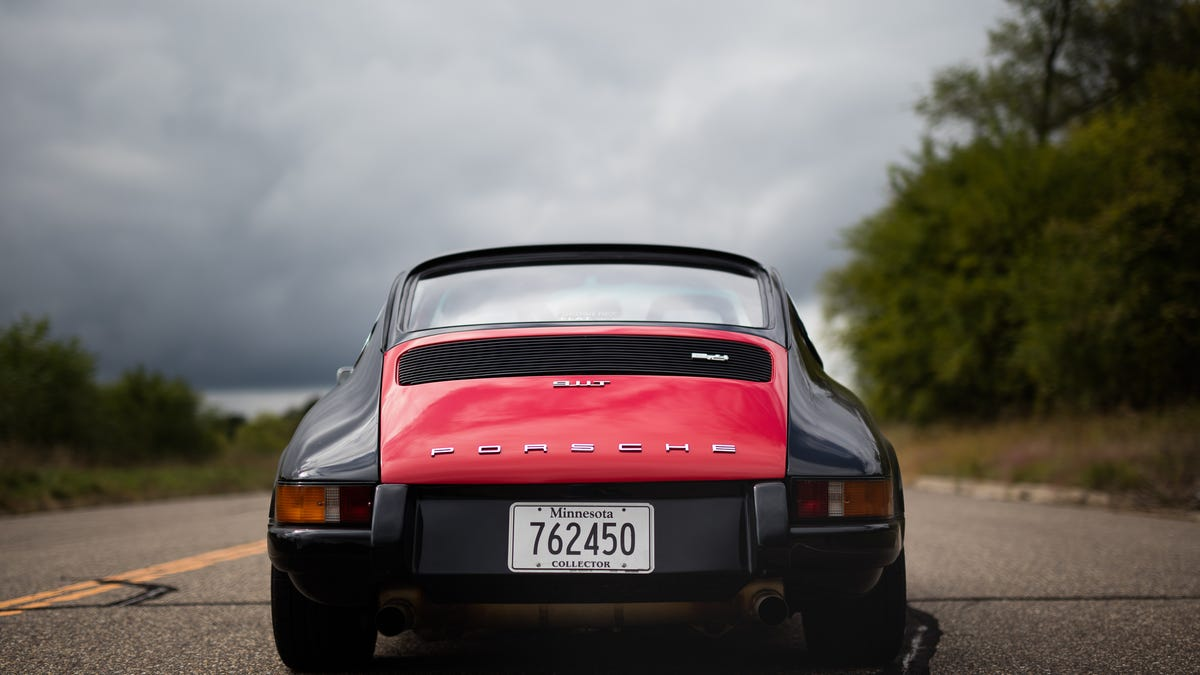What It\'s Really Like To Own A Vintage Air-Cooled Porsche 911