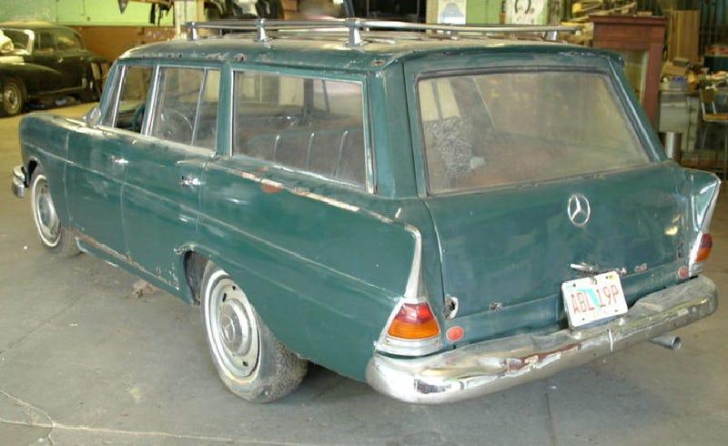 Illustration for article titled 1967 Mercedes 230S Wagon for $6,500!