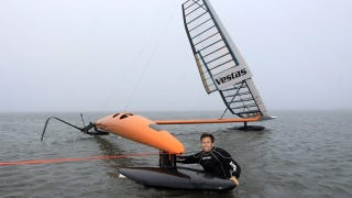 Illustration for article titled The Sleek Sailrocket 2 Looks To Set a New World Speed Sailing Record