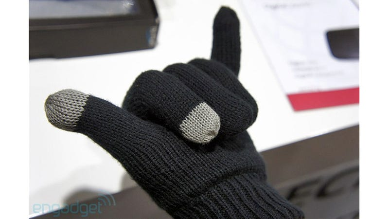 Illustration for article titled Bluetooth Gloves: Because Even Talking Into Your Hand Looks Less Stupid Than an Earpiece