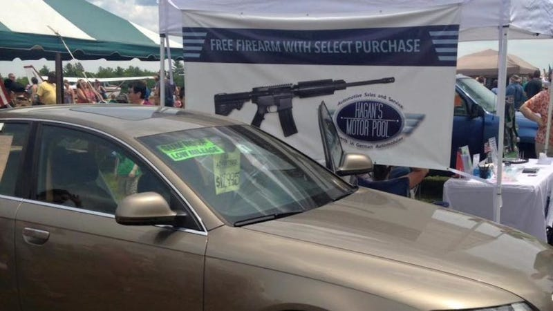 Illustration for article titled Car Dealer Offers Free AR-15 Assault Rifle With Purchase