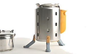Illustration for article titled BioLite Camping Stove Charges Gadgets And Cooks Beans