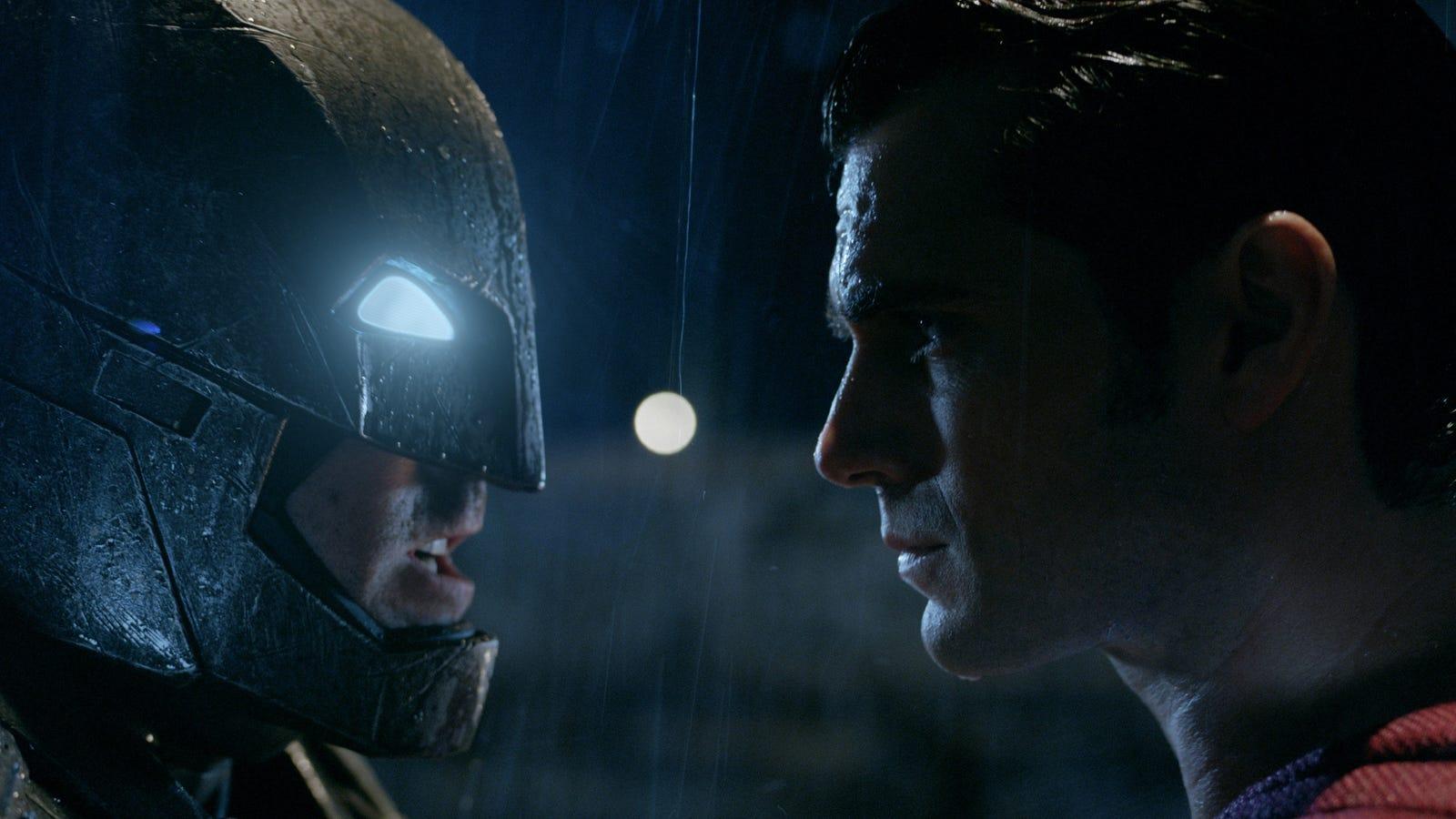 Esto es lo que sale al unir los tráilers de Batman v Superman: un spoiler de once minutos