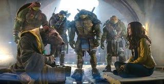Illustration for article titled Stephen Amell Will Play Casey Jones In Teenage Mutant Ninja Turtles 2