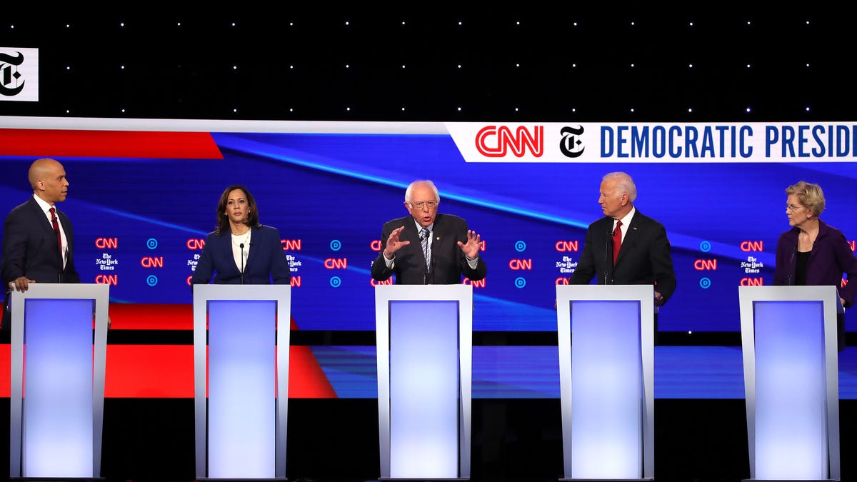 gizmodo.com - Brian Kahn - Democratic Presidential Debate Lacks Climate Change Questions