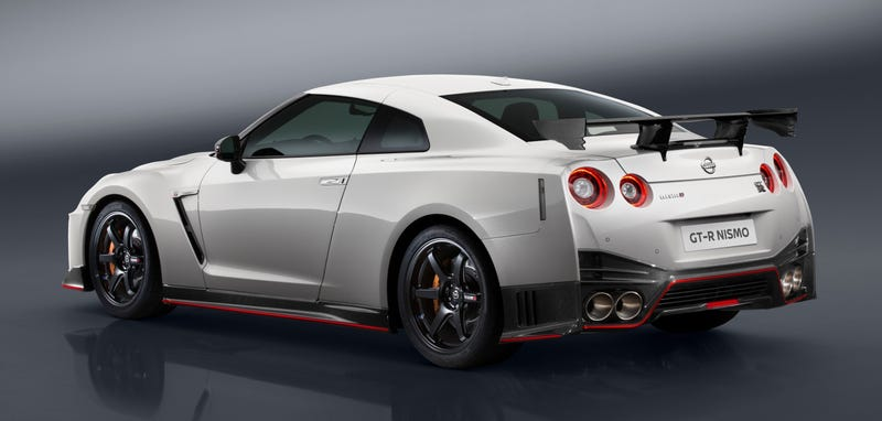 the 2017 nissan gt-r nismo is here to kick all your asses with 600