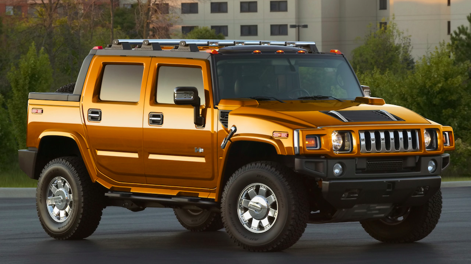 Do Hummer H13 Drivers Know How Stupid They Look? | gas mileage hummer