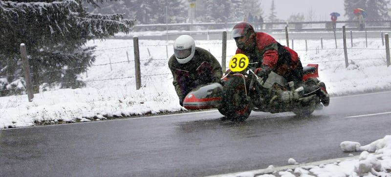 Illustration for article titled I Don't Know Anything About Winter Sidecar Road Racing But I'm Scared