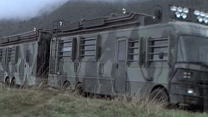 Illustration for article titled Jurassic Park fans are restoring the RV from The Lost World