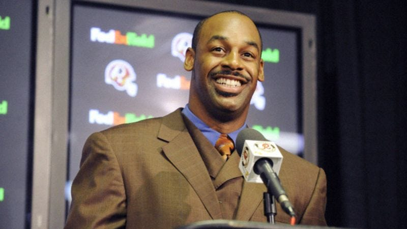 Illustration for article titled Donovan McNabb: 'I'd Like To Thank The Ungrateful, Over-Expecting,Oftentimes-Racist Fans Of Philadelphia'