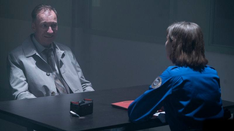 David Thewlis (left), Carrie Coon (Photo: Chris Large/FX)