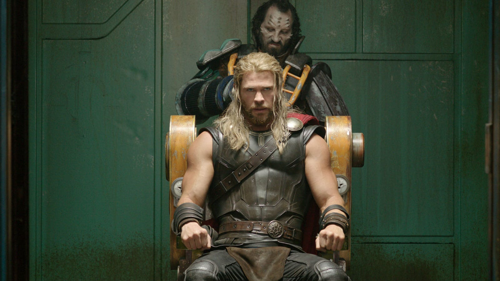 somehow thor 39 s appearance in the infinity war footage isn 39 t a ragnarok spoiler. Black Bedroom Furniture Sets. Home Design Ideas
