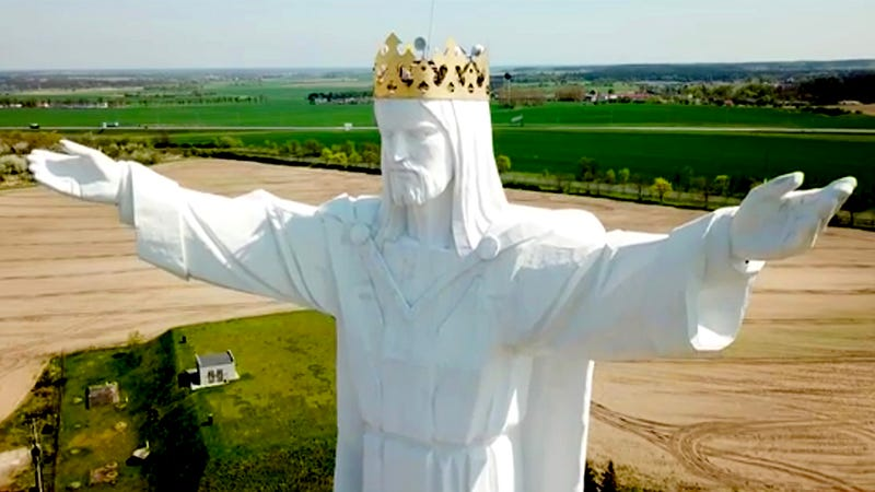 Illustration for article titled An Enormous Statue of Jesus in Poland Just Got Internet Antennas and No One's Sure Why