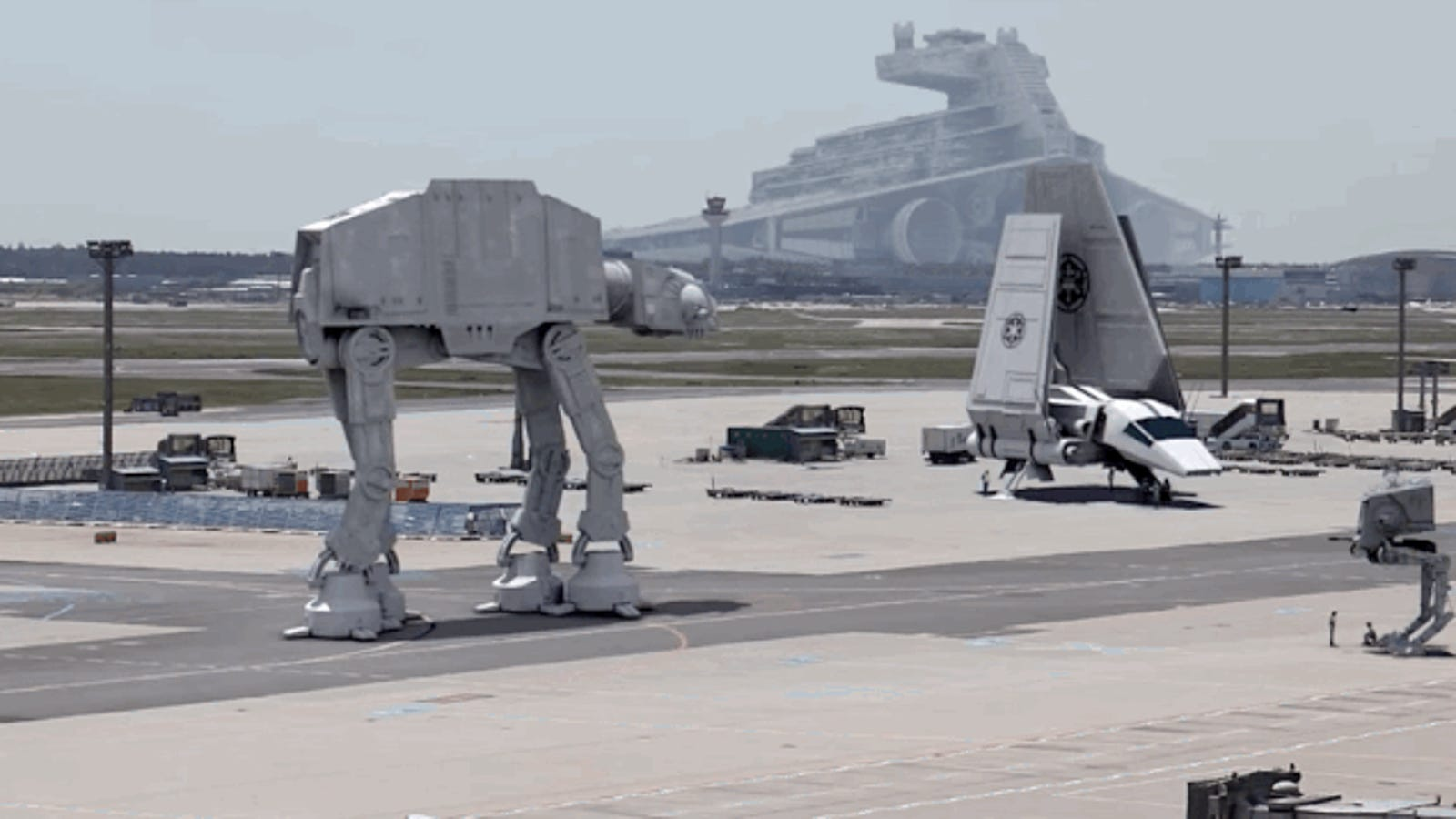 Holiday Travel Would Be More Bearable If Airports Looked like Star Wars
