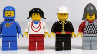 Illustration for article titled Researcher Says Lego Minifigs Aren't as Happy as 25 Years Ago