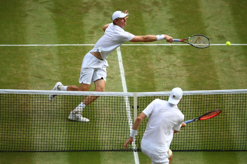 Illustration for article titled Let's Watch This Never-Ending Monstrosity Together: Your Hastily Made Anderson-Isner Wimbledon Liveblog