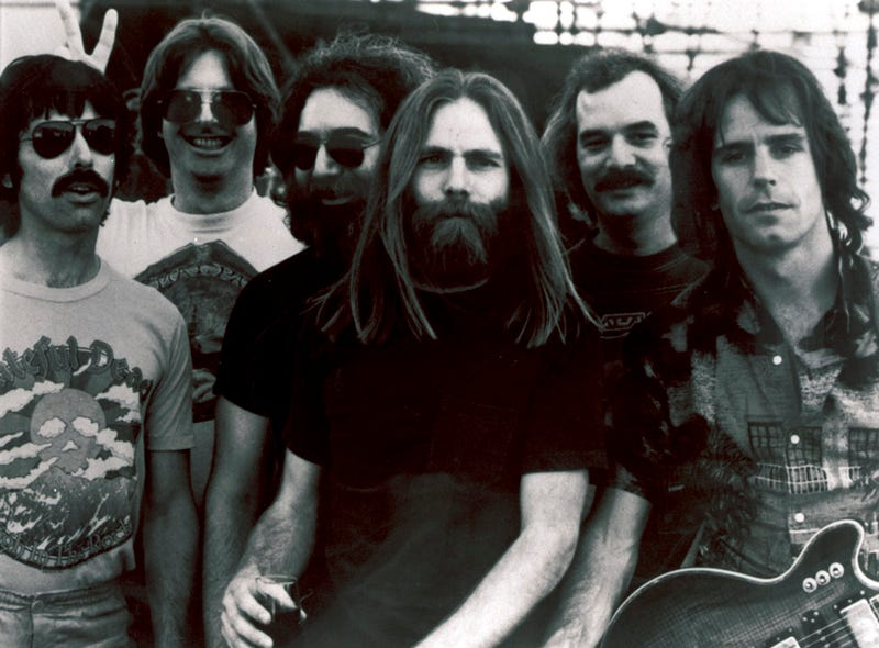 Illustration for article titled Deadspin Is Silencing Pro-Grateful Dead Voices ... Here's The Proof