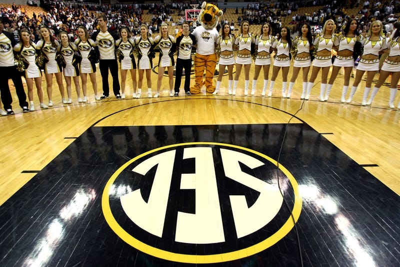 Illustration for article titled Mizzou Basketball Agrees To Pretend 2013-14 Season Didn't Happen