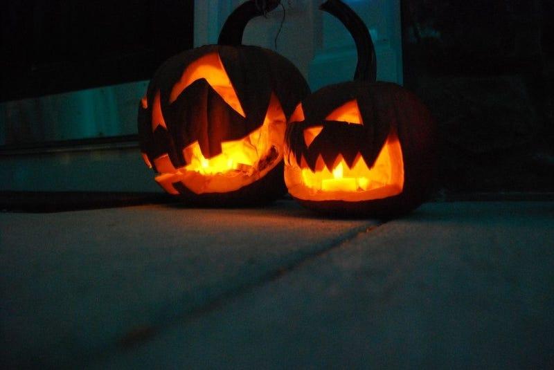 Illustration for article titled Halloween Halp, please!