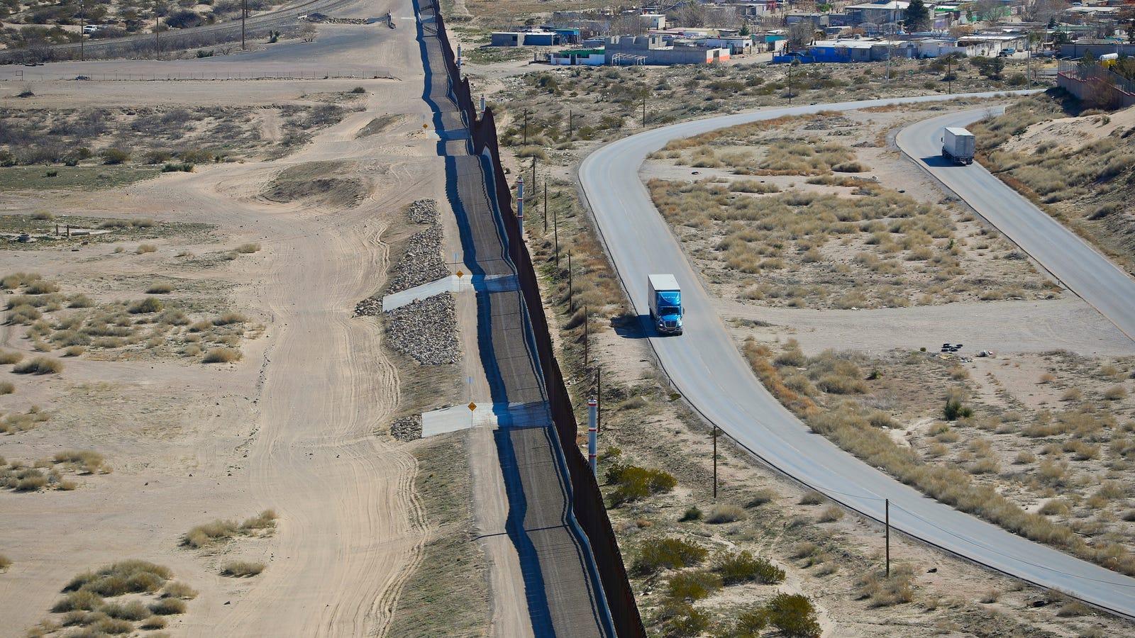 PayPal, GoFundMe Yank Accounts for Far-Right Militia Rounding Up Migrants at Border