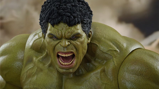 Illustration for article titled Hot Toys' Incredible New Hulk Is Suitably Massive And Angry