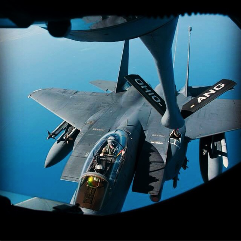 Illustration for article titled Badass photo of an F-15 refueling