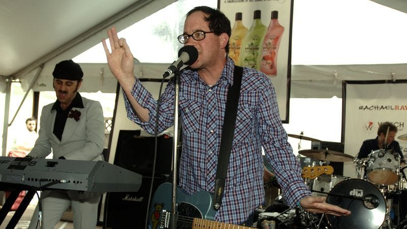 Former keyboard player Franz Nicolay (left) and frontman Craig Finn (center) of The Hold Steady. (Photo: Getty Images)