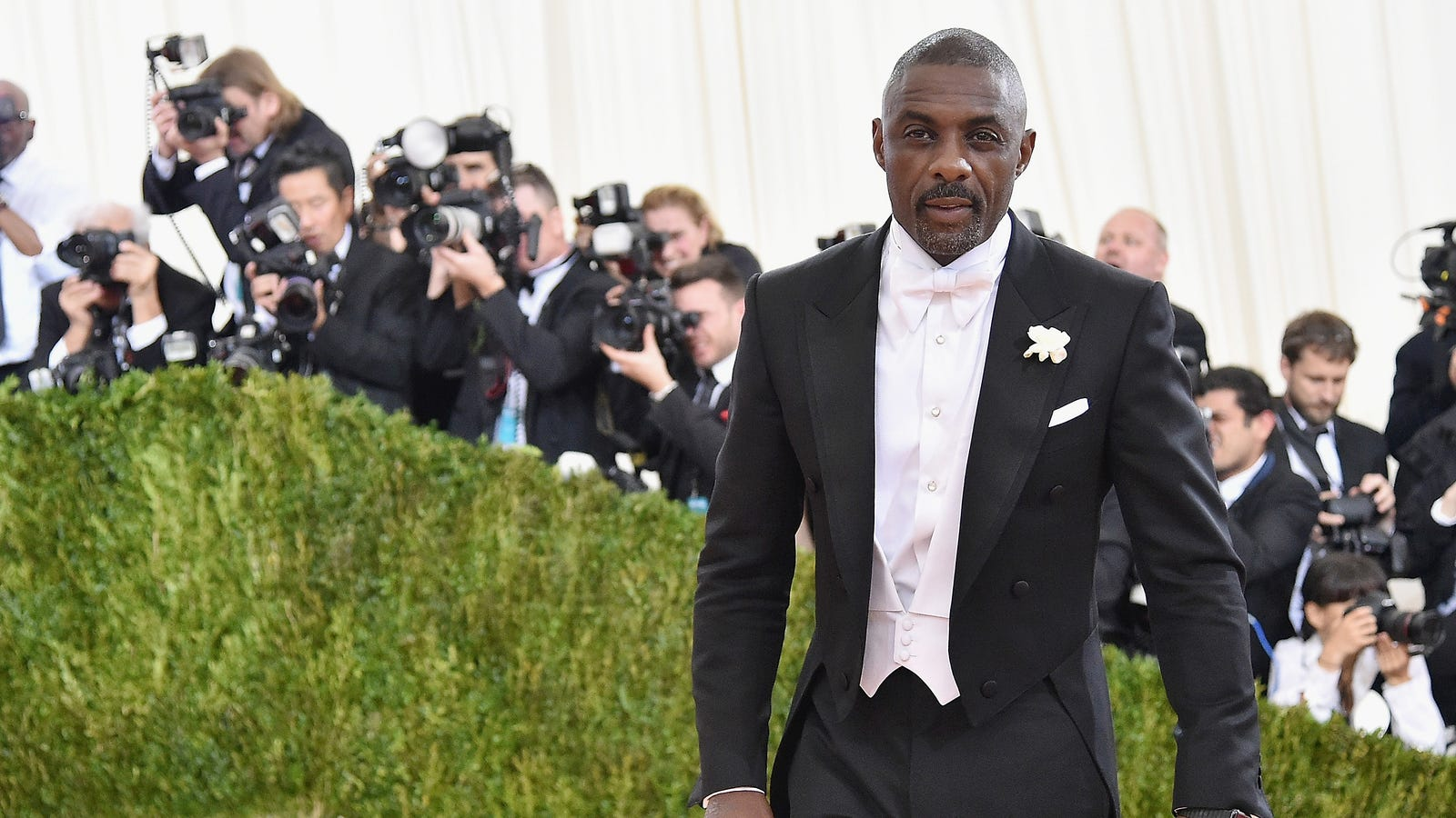 Idris Elba is People's Sexiest Man Alive, so can he please play James Bond now?
