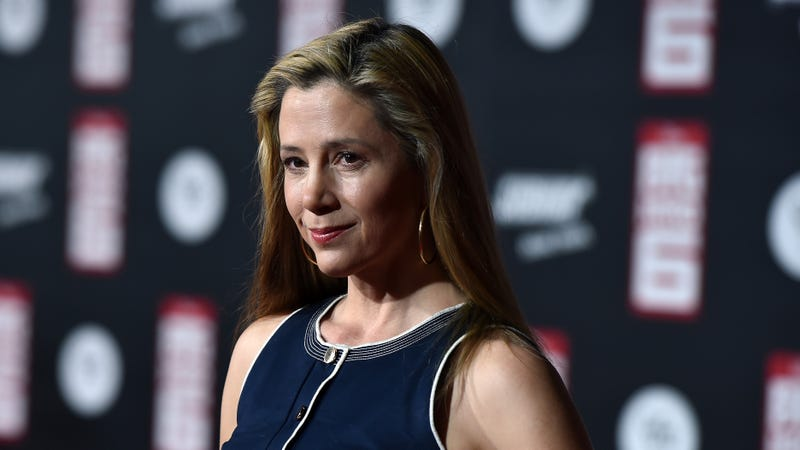 Illustration for article titled Mira Sorvino Says a Casting Director 'Gagged Me With a Condom' When She Was 16