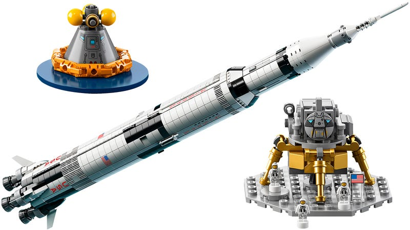 Illustration for article titled Live Out Your Astronaut Dreams With Lego's Meter-Tall NASA Apollo Saturn V Rocket