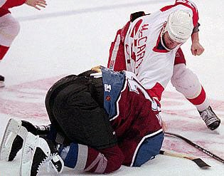 Illustration for article titled Claude Lemieux Comes Out Of His Shell