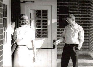 Illustration for article titled Proper door holding etiquette