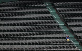 Illustration for article titled Man Buys Ticket To Game 1 Of World Series For $6 On StubHub