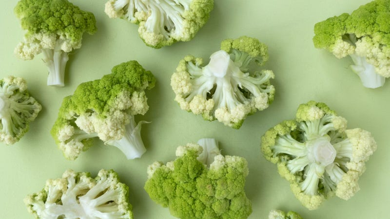 Illustration for article titled There's an Easier Way to Cut Cauliflower