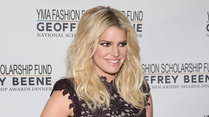 Illustration for article titled Jessica Simpson Has Birthed a Baby Birdie