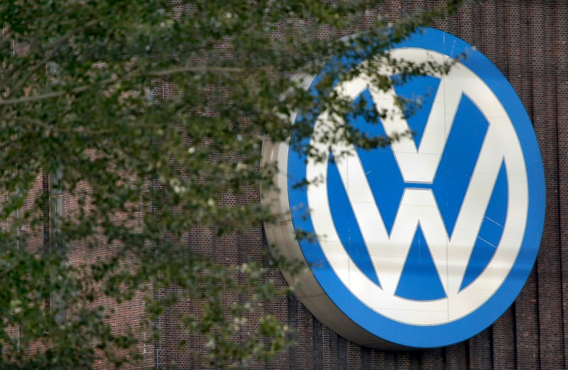 Illustration for article titled Volkswagen Reportedly Warned Of Emissions Cheating Years Ago